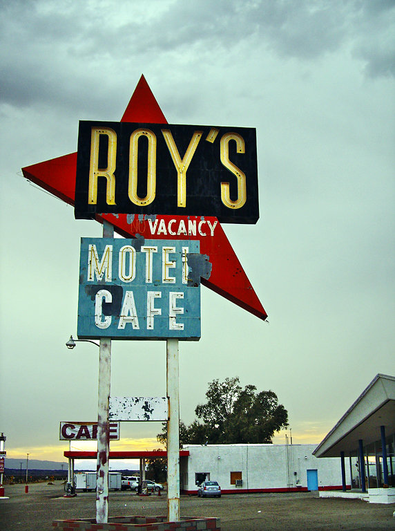 Roys and Cafe
